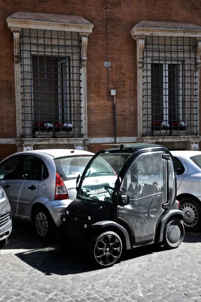 Lättparkerad minibil, foto Bjur arkitekter 2013