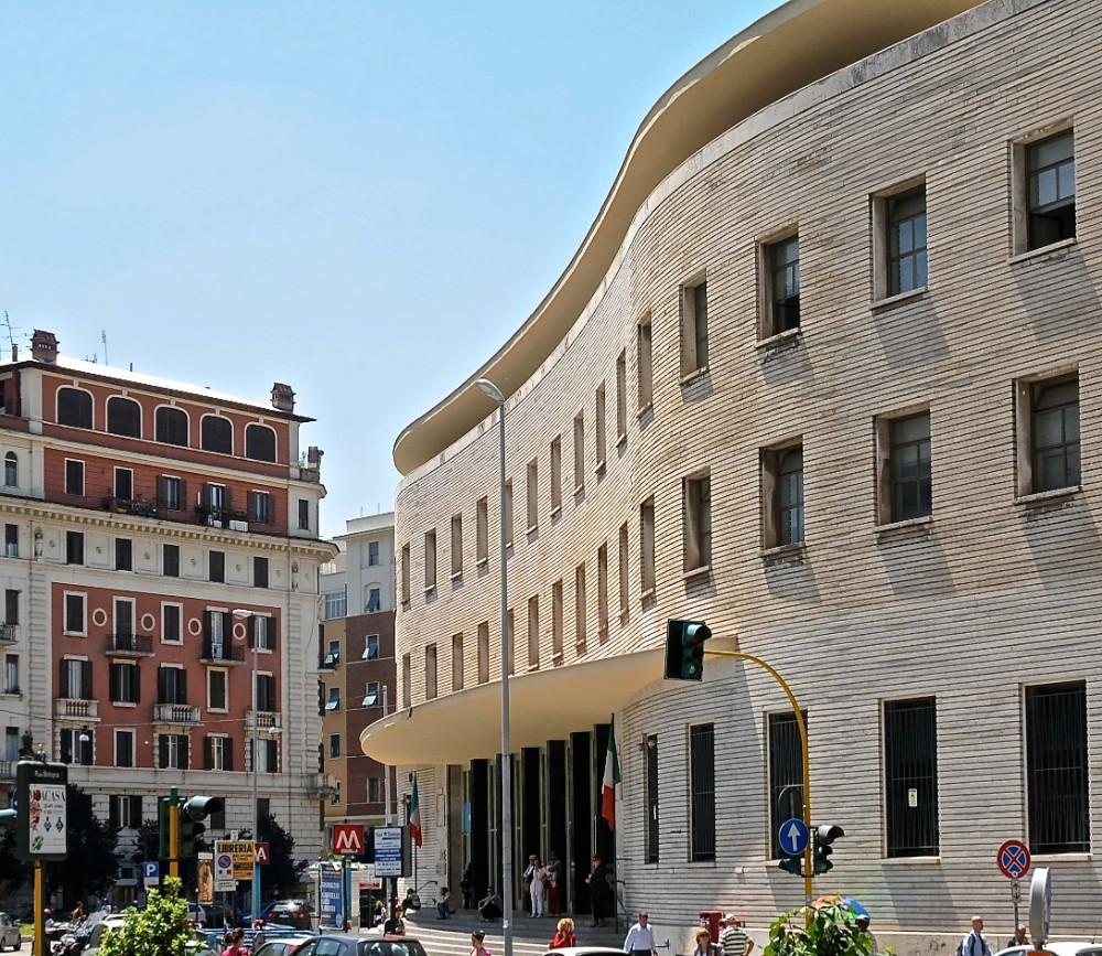 Postkontor vid Piazza Bologna, arkitekt Mario Ridolfi 1935, foto Bjur arkitekter 2012