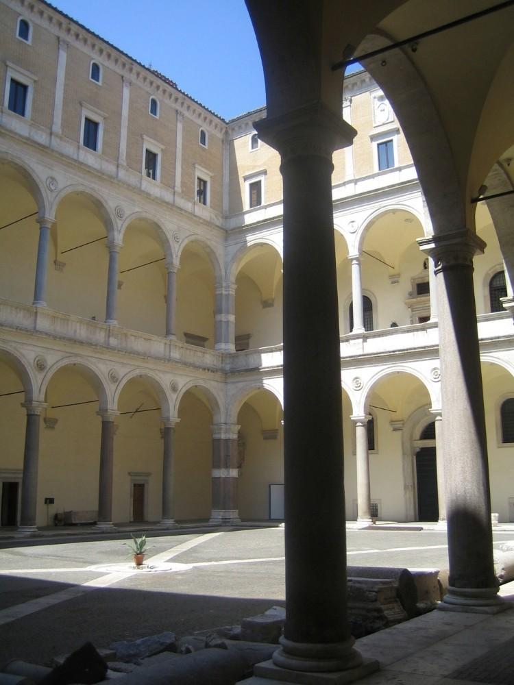 Renässansens stora palatskvarter Cancelleria från 1515, foto Bjur arkitekter 2005