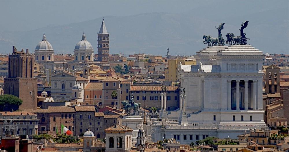 Utsikt från Gianicolo med Viktor Emanuelmonumentet till höger, foto Bjur arkitekter